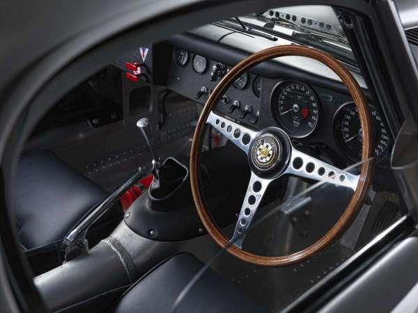 特製部門全手工打造輕量化 Jaguar Land Rover Special Operation