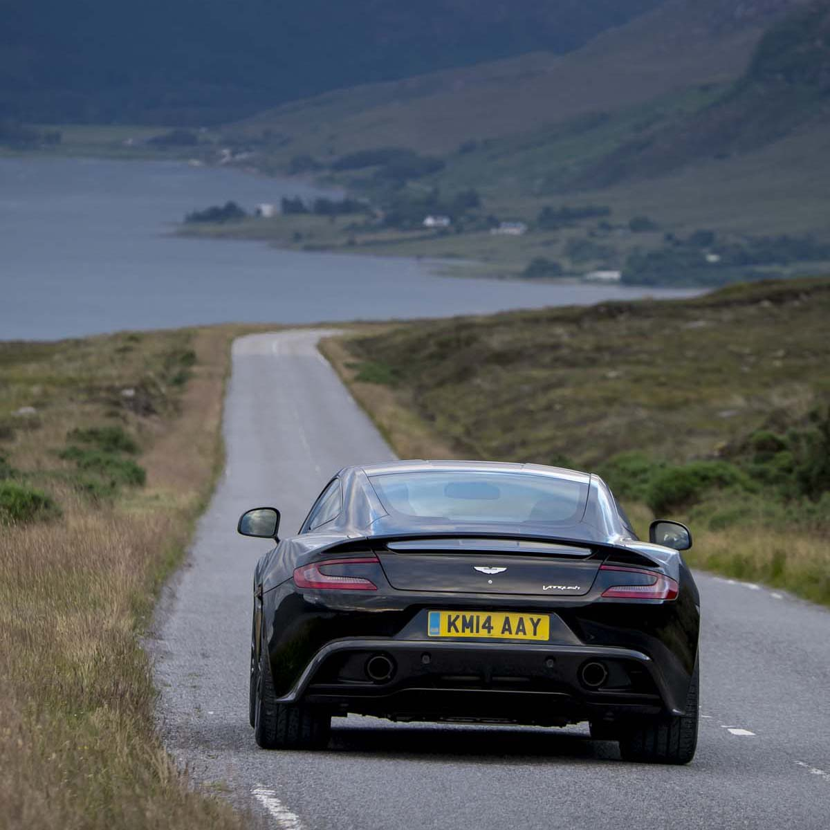 海外試英雄 Aston Martin Vanquish Coupe