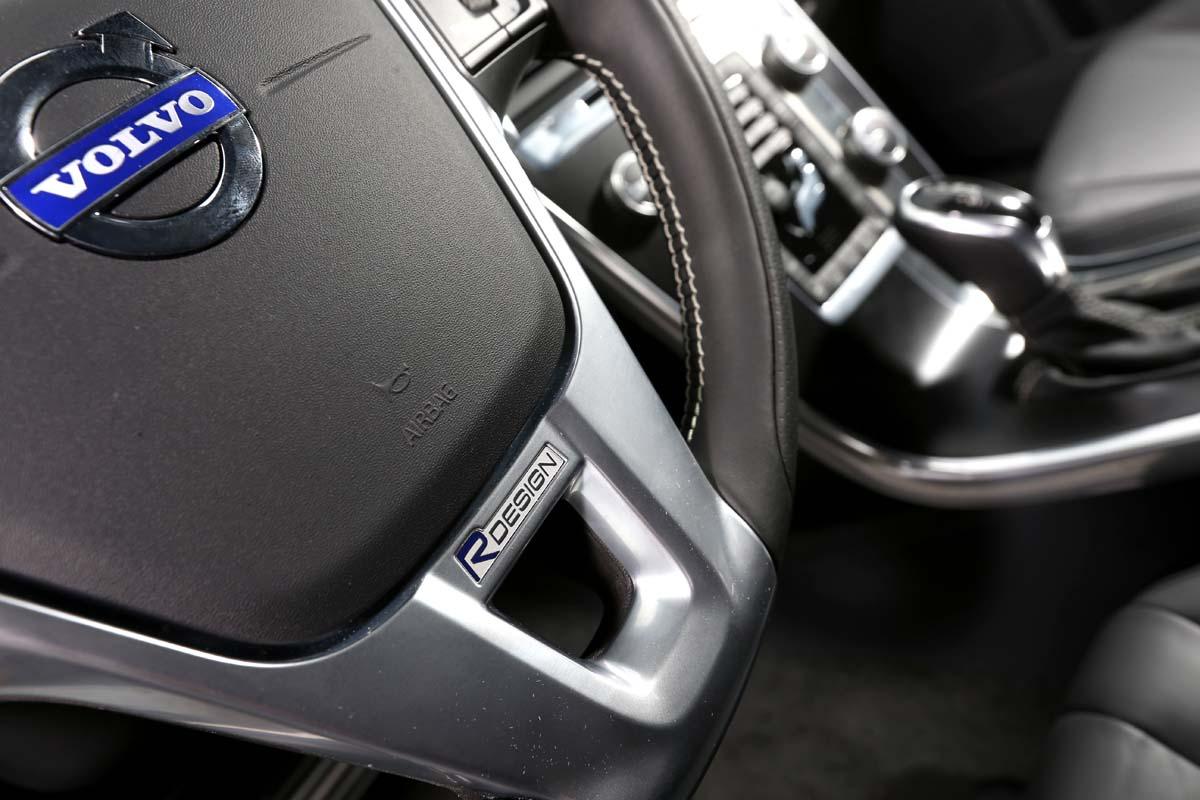 霸王武裝加身 Volvo XC60 T5 R-Design