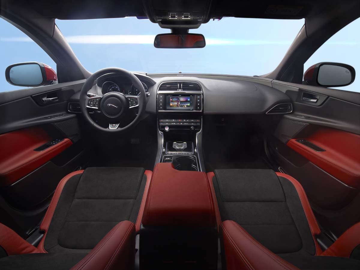 家族重量級新作 Jaguar XE